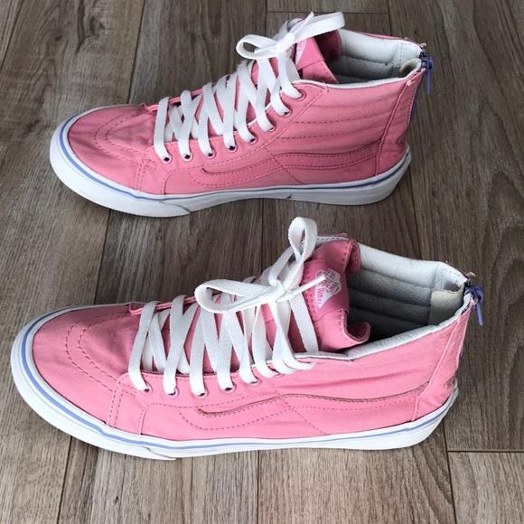 0e512c31eb79 Free shipping 🔥🔥🔥🔥 Women s Pink Hi top Vans. M 5bb9348e3c984442251a4d2c